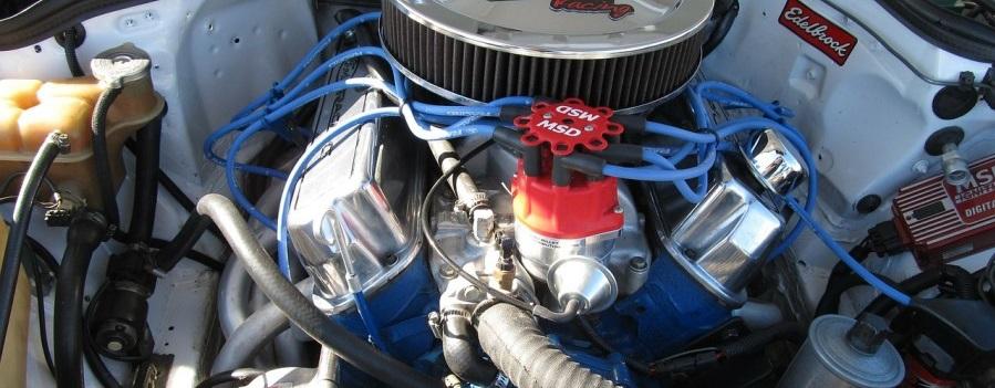 Silnik w samochodzie